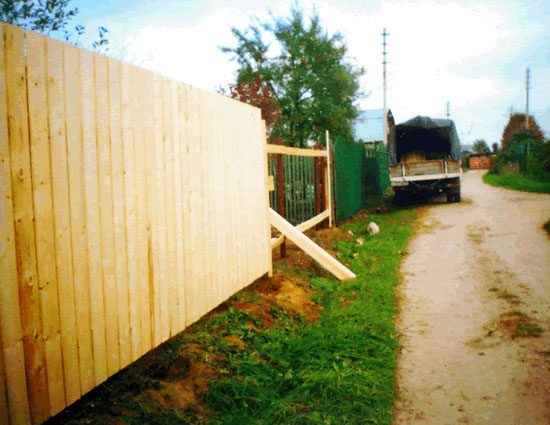 Деревянные заборы фото установки